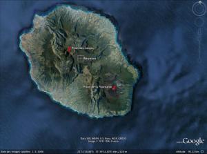 Vue satellite de l'île de La Réunion (Google Earth)