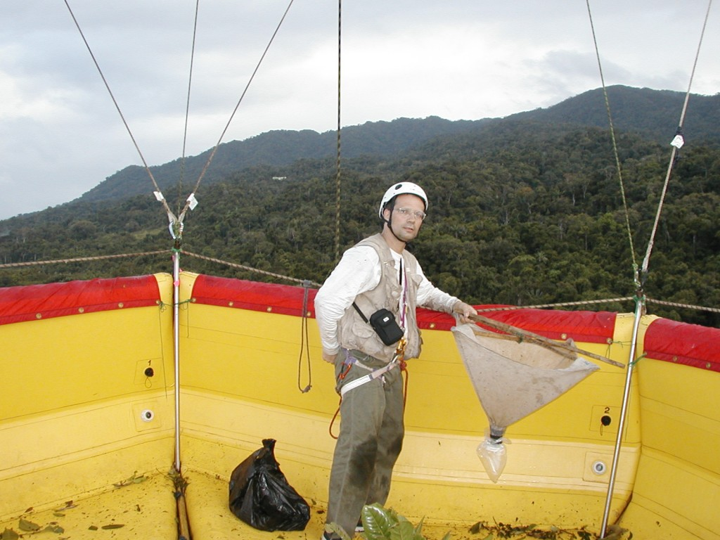 Henri-Pierre ABERLENC in the raft of the summits in Madagascar in Antongil Bay - 2010 (Source : H-P ABERLENC)