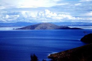 Vue du sud est du Lac Titicaca (altitude 3809m)