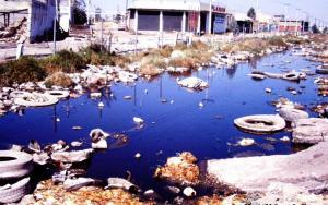 Pollution de l'eau à Chalco, quartier périphérique de la ville de Mexico