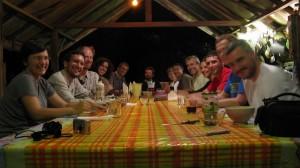 Dernier repas de l'équipe au Nouragues