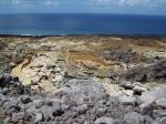 Coulée de lave de 2007 en contraste avec l'océan
